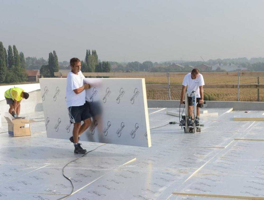 Recticel Insulation's Eurothane Eurodeck insulation application image on top of a roof