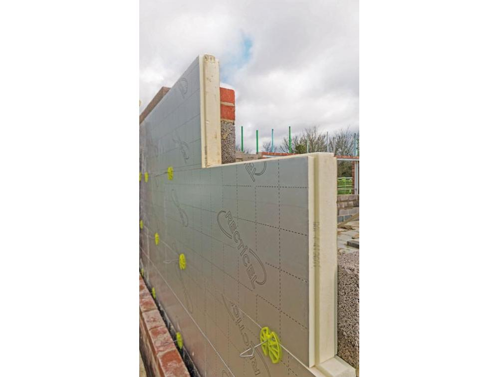 Recticel Insulation Eurowall + installation image wide angle
