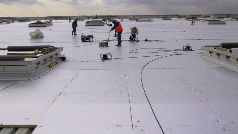 Powerdeck isolatieplaat voor platte daken met beter brandgedrag installatie 3