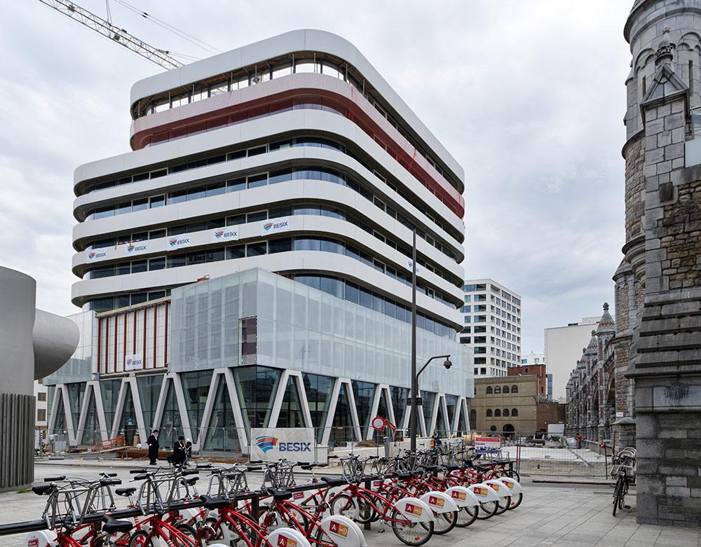 Eurothane<sup>®</sup> Silver isolatie van Recticel Insulation zet de kroon op nieuw 'News City' gebouw te Antwerpen