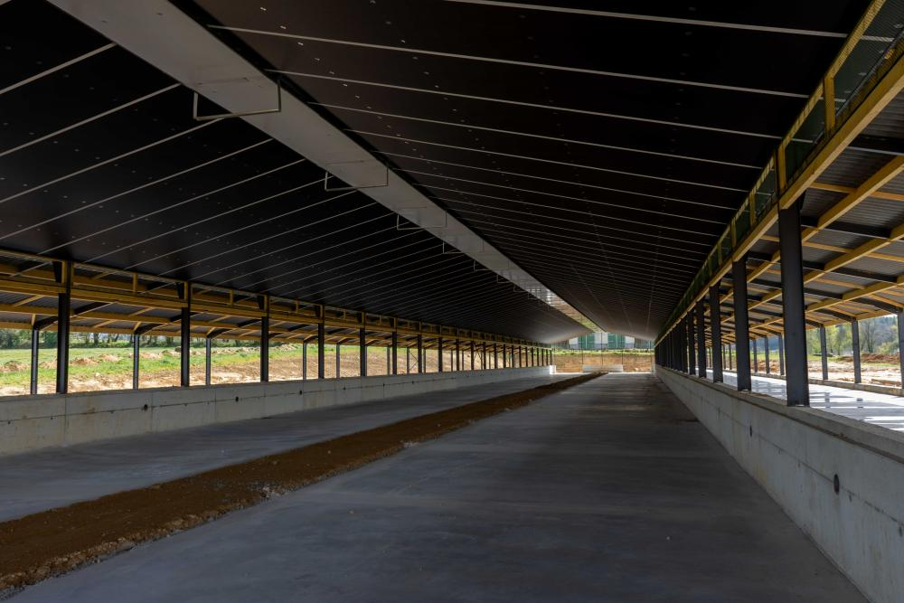 Agricultural unit in Brittany, France insulated from Recticel Insulation's Lumix full unit image