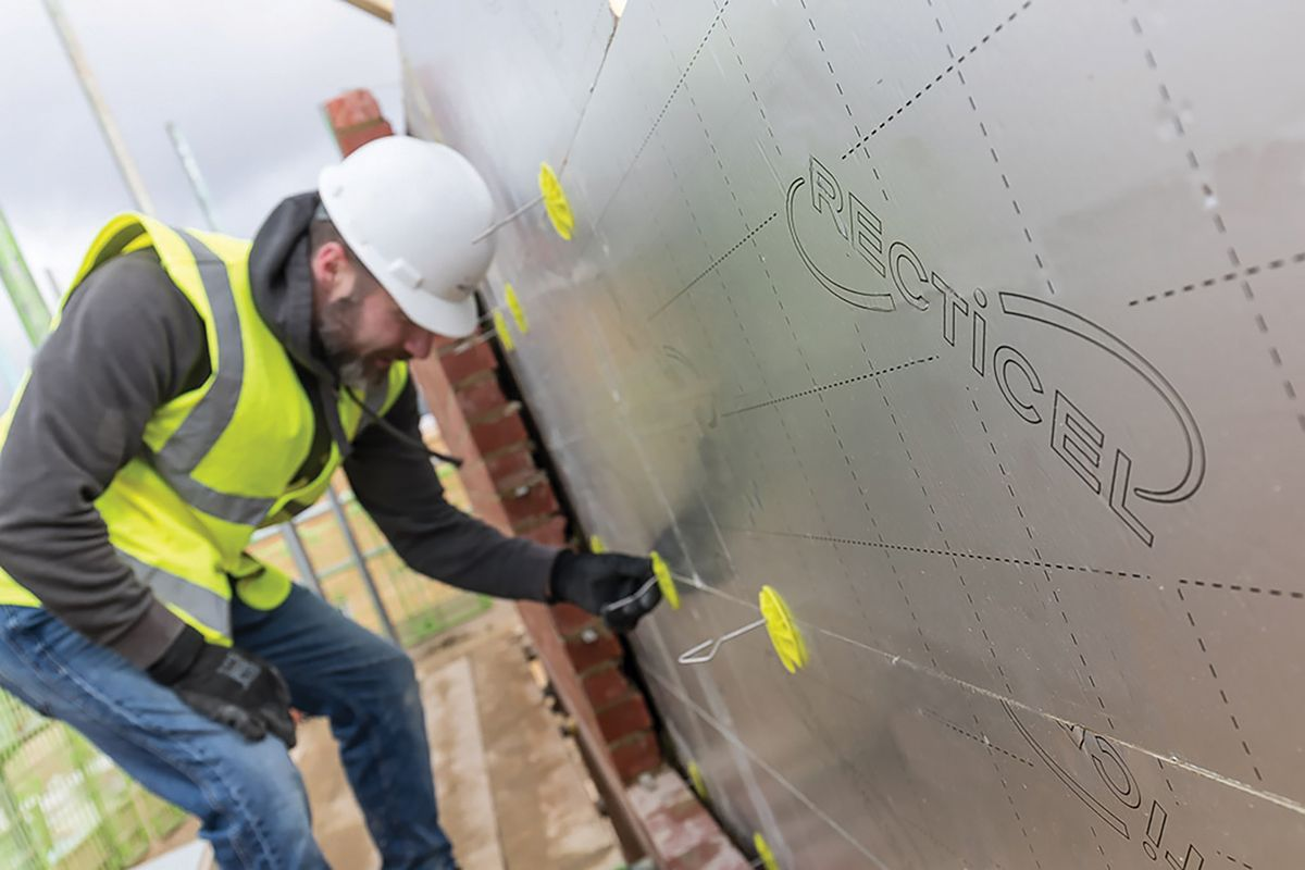 Recticel Insulation's Eurowall + - insulation to reduce thermal bridging Installation