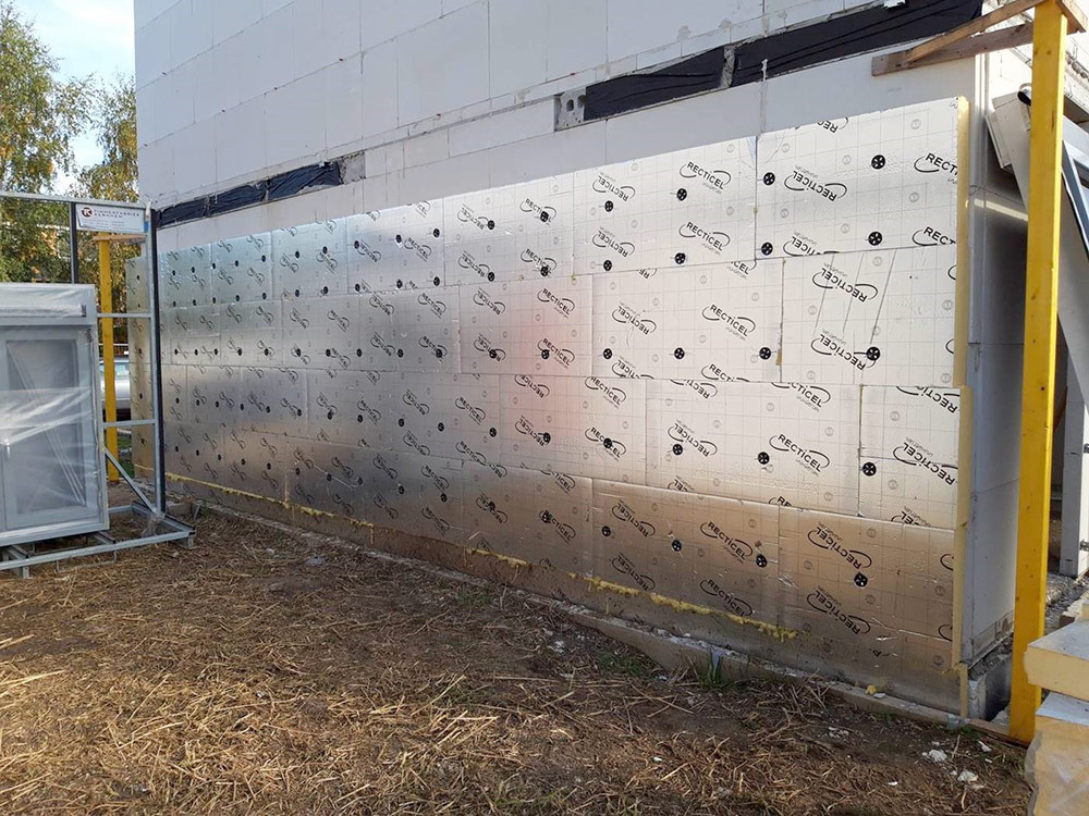 Multi montage Geenen is een enthousiast Recticel Insulation Eurowall verwerker