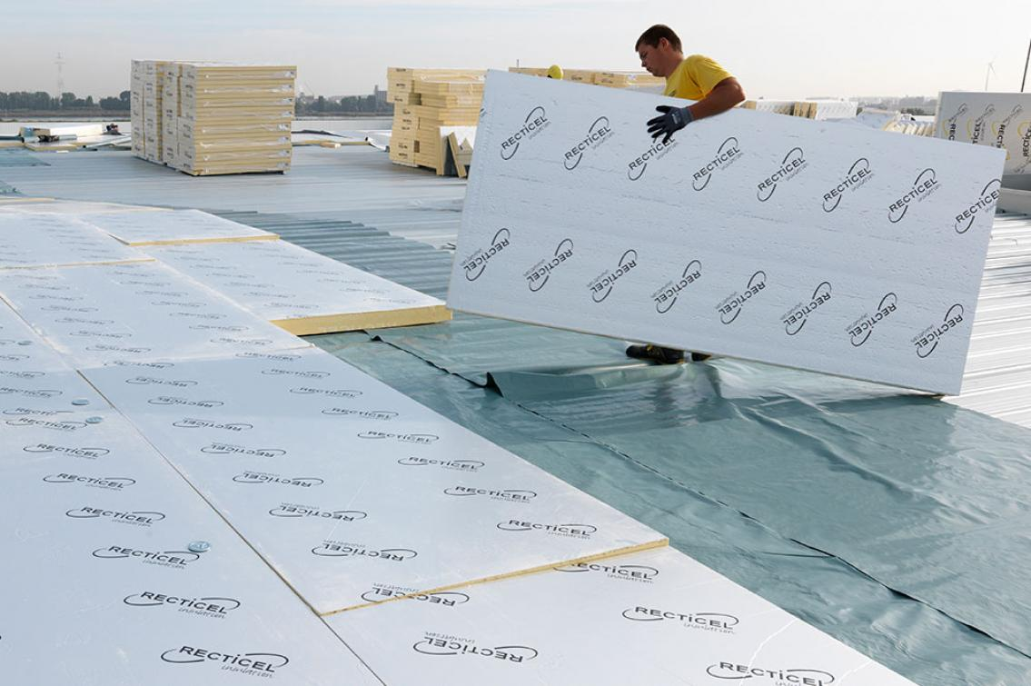 Eurothane Silver panneau d'isolation thermique toits plats chauds - installation